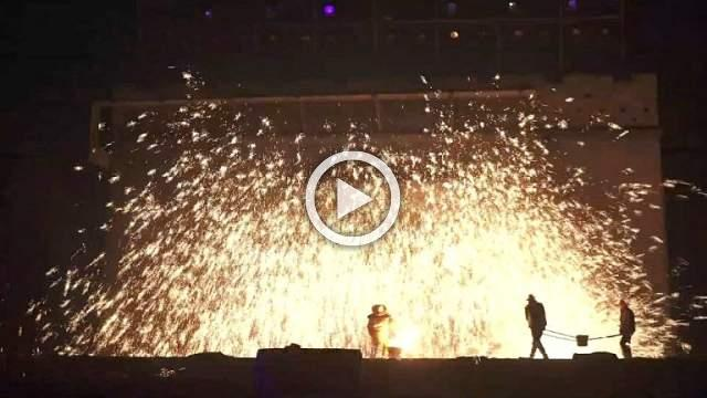 Blacksmiths keep flame of China's molten steel 'fireworks' alive