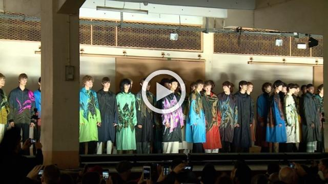 Dries Van Noten: Men's show Autumn/Winter 2018/19 (With interview)