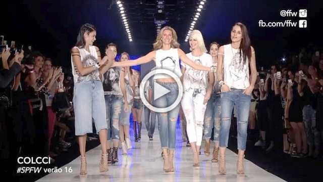 Key Fashion Moment : 2015 : Gisele Bündchen quits the catwalk