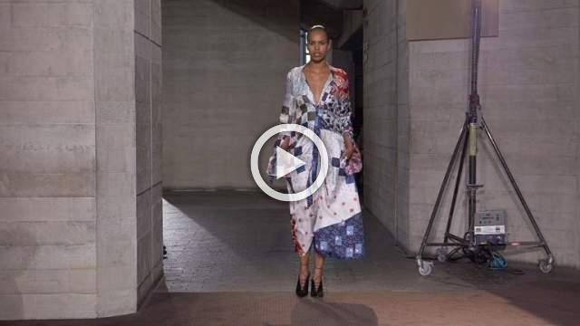 Roland Mouret Women's Autumn/Winter 2019 Ready-to-Wear Show in London (with interview)