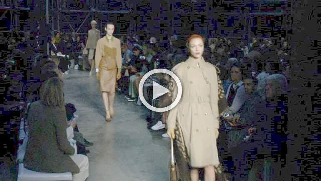 Burberry- Women's & Men's Autumn/Winter 2019 Ready-to-Wear Show in London (with interview)