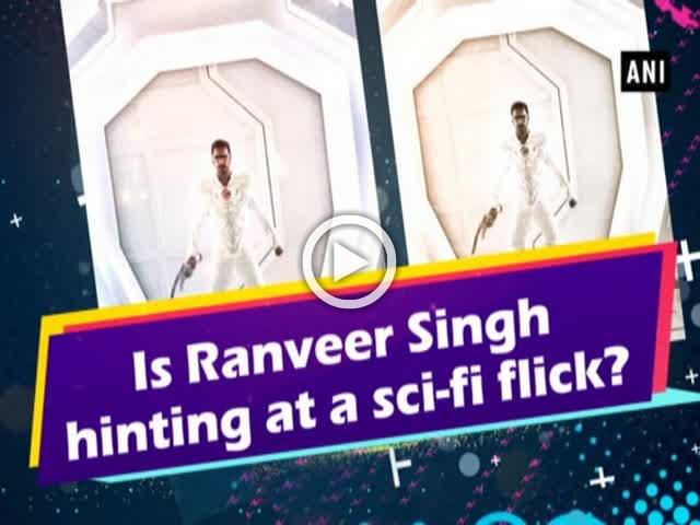 Is Ranveer Singh hinting at a sci-fi flick?