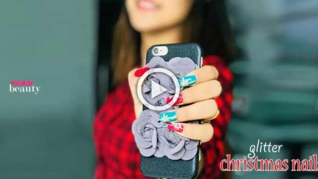 DIY Glitter Christmas Nails