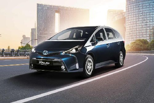Prius Plus Front angle low view