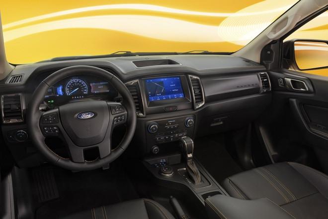 Ford Ranger có thêm phiên bản Splash màu cam rực rỡ - 3