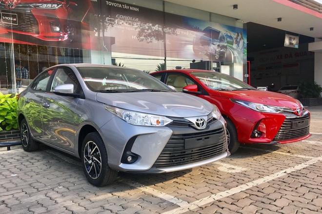 Toyota Vios, Hyundai Accent được ưu đãi hơn 30 triệu đồng tại đại lý - 1