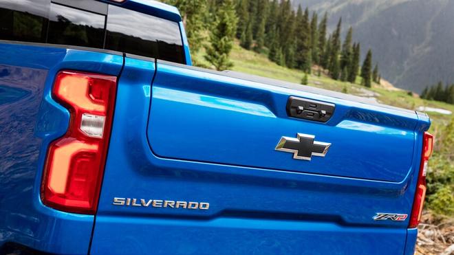 Chevrolet Silverado ZR2 ra mắt, đối đầu Ford F-150 Raptor 2022 - 5