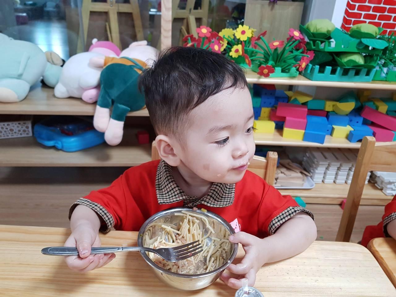 Trường mầm non Ý Việt Montessori School - Embassy Garden KĐT Tây Hồ Tây