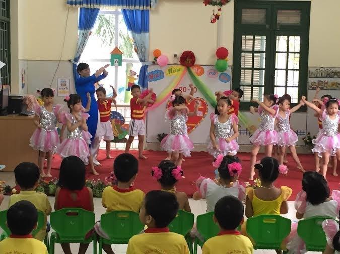 Trường mầm Non Giang Biên - Giang Biên