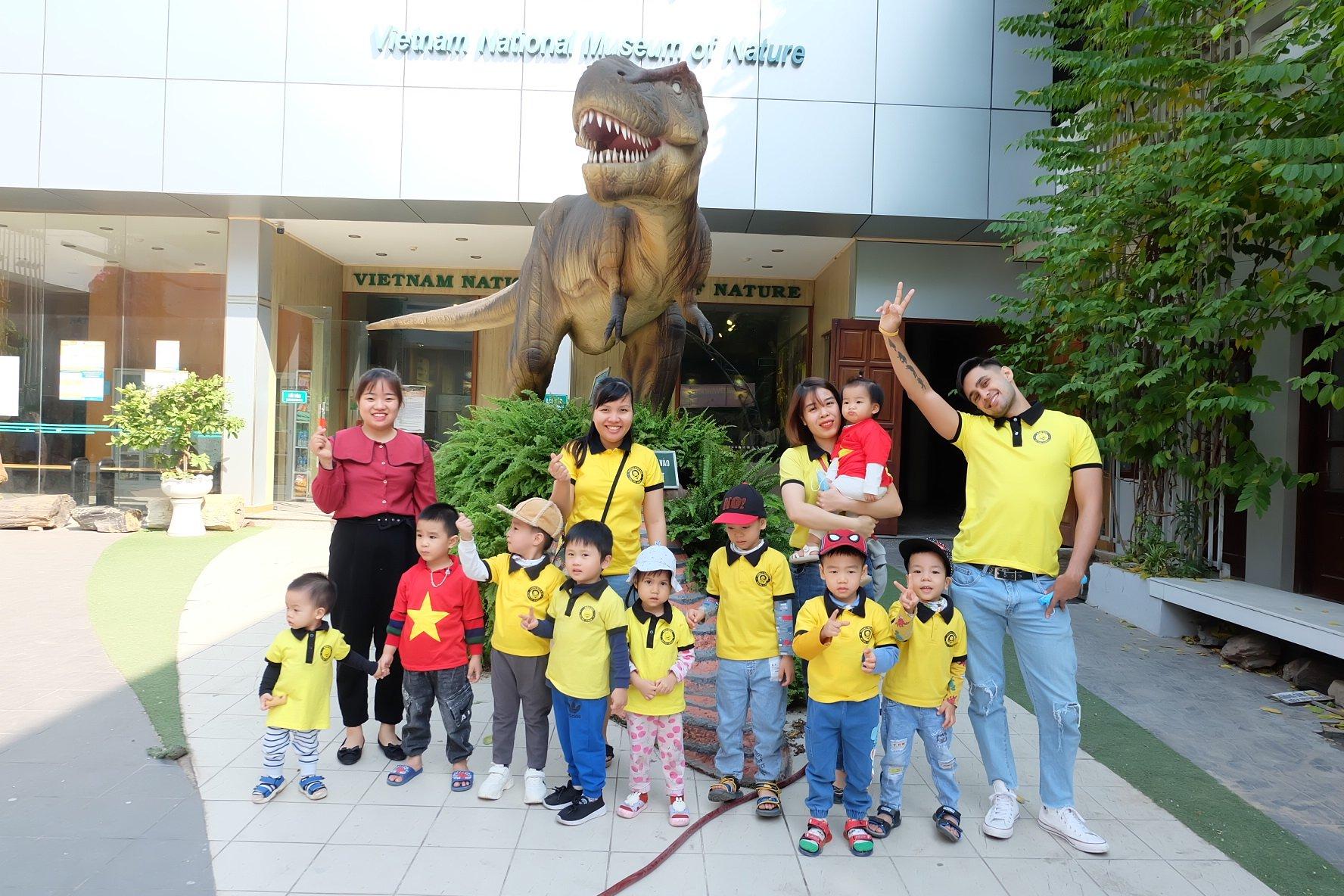 Tham quan học tập tại Bảo Tàng Thiên Nhiên cùng giáo viên Tiếng Anh