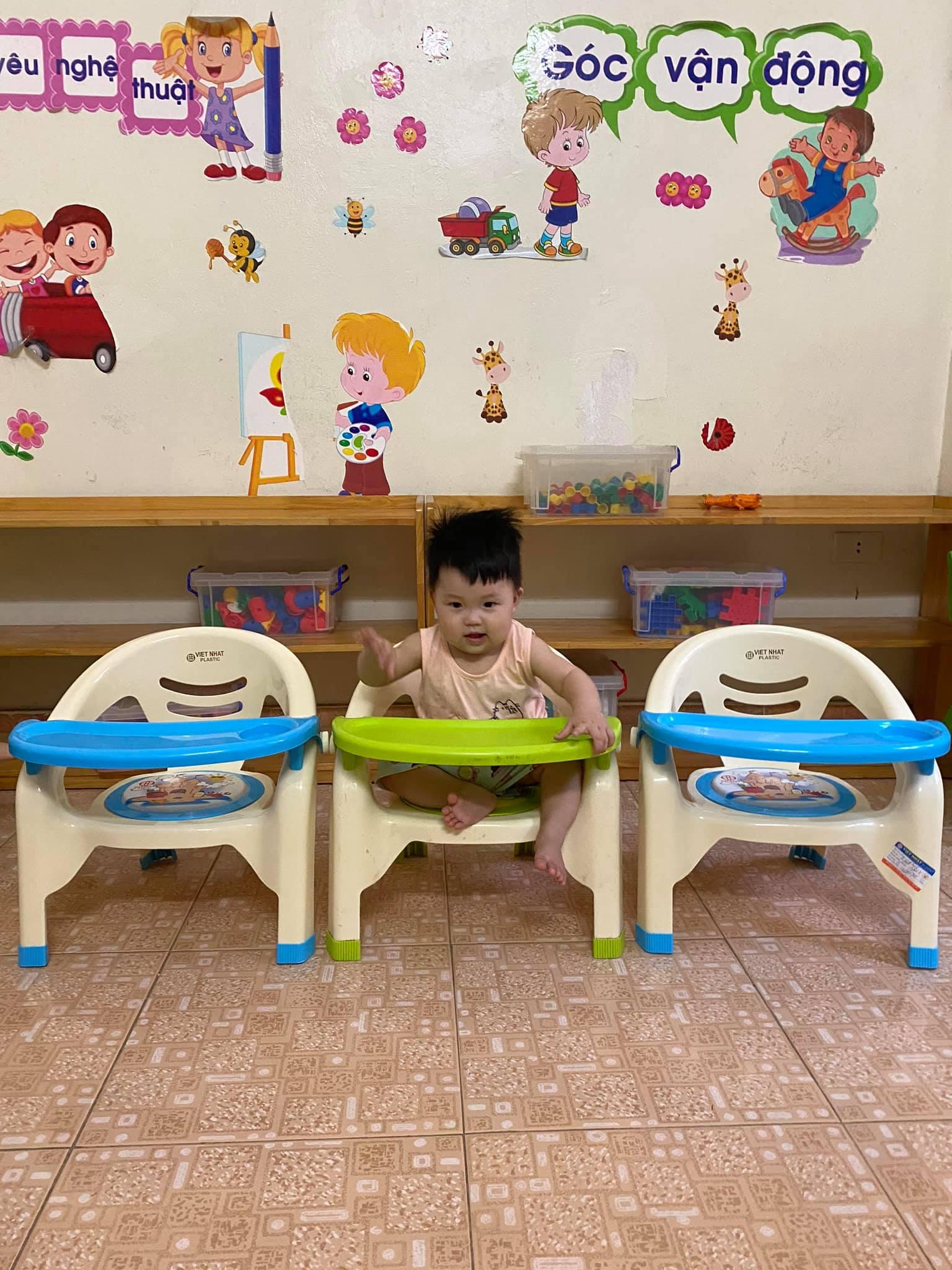 Trống 2 ghế cho các bé từ 8 tháng đến 12 tháng trong tháng 8 tới