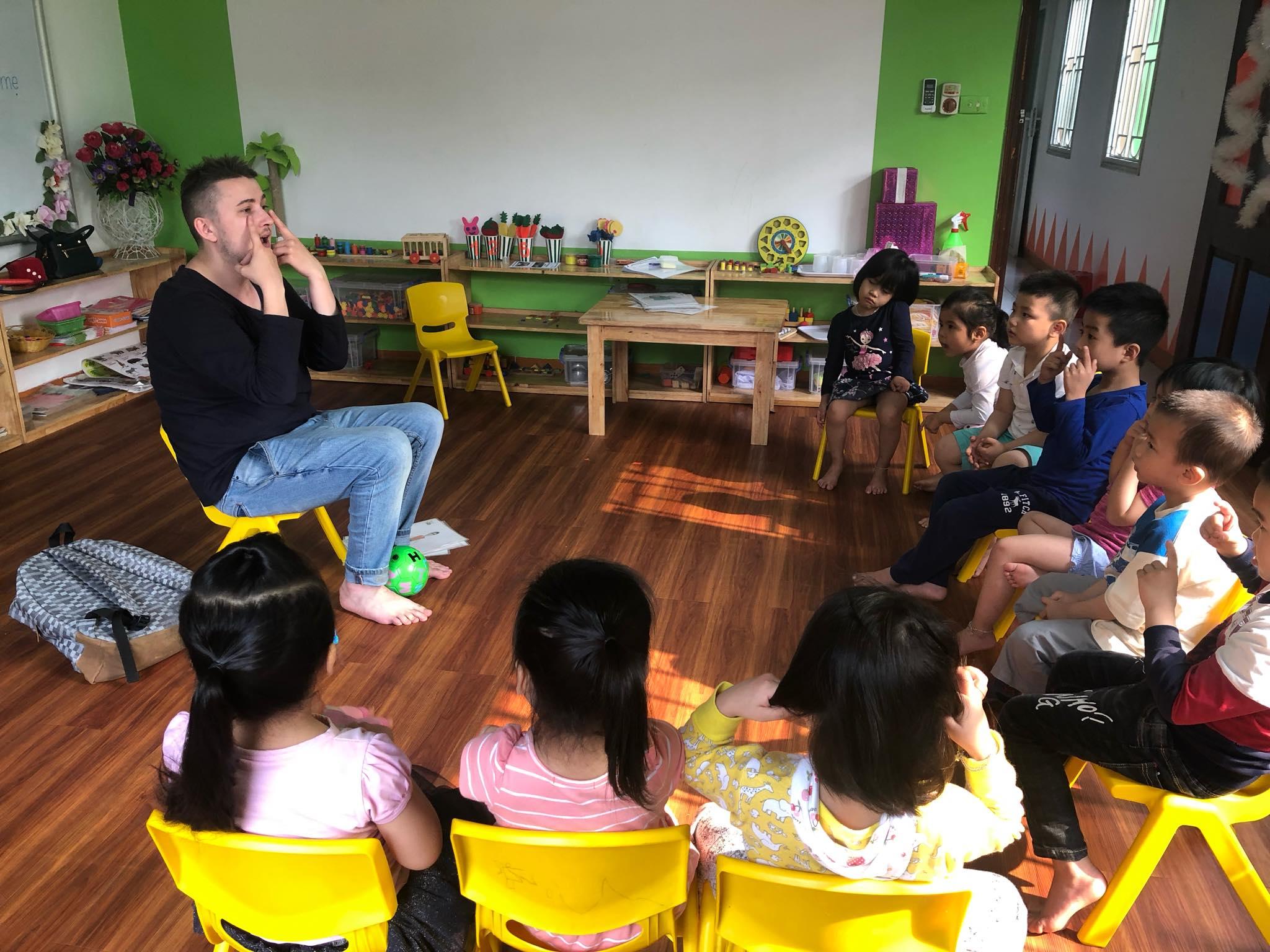Trường mầm non Song Ngữ Funny Colors - Khương Mai