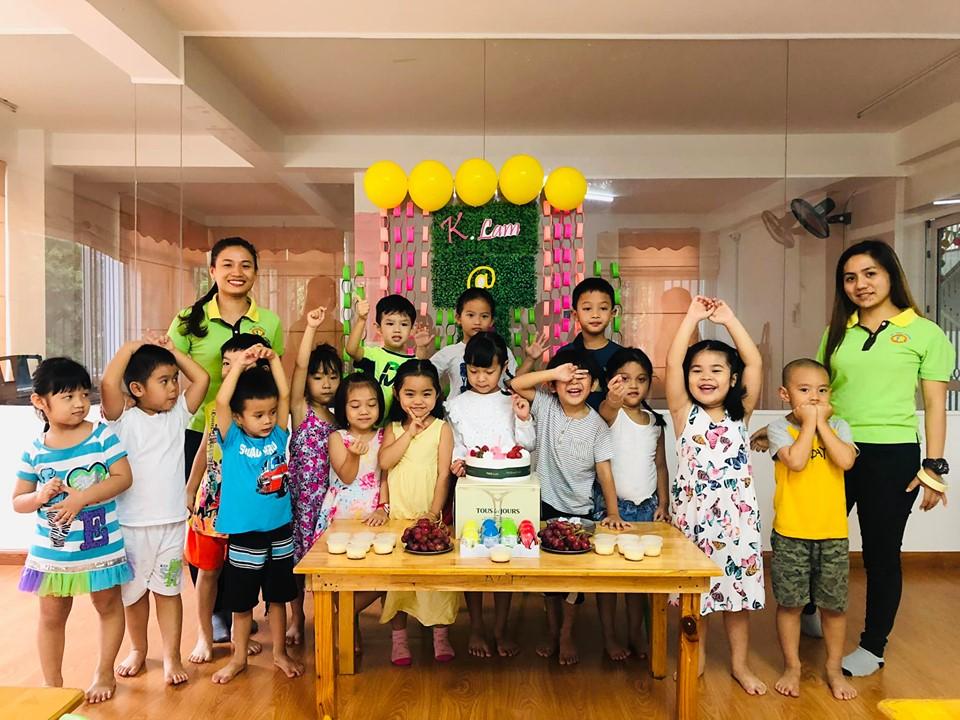 Trường mầm non Kid's World - Tân Phú