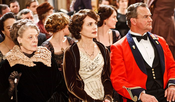 Download serial Downtown Abbey