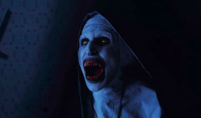 Kostum film horor ikonis