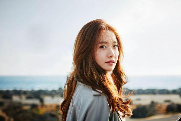 Yoona sempat berkontribusi dalam film dokumenter I AM (2012).