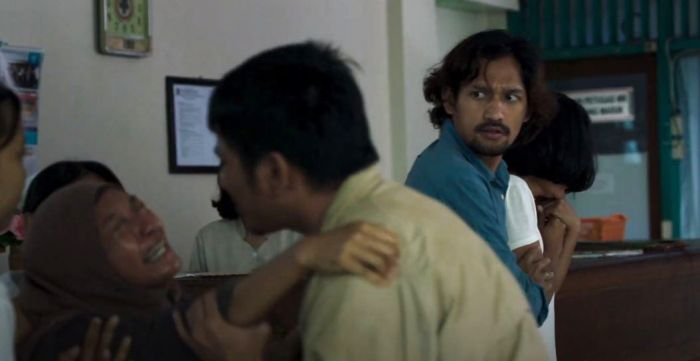 Putri Ayudya (Aida), Ibnu Jamil (Firman), Asmara Abigail (Santi), dan Yoga Pratama (Agus) di Film Mudik (2019).