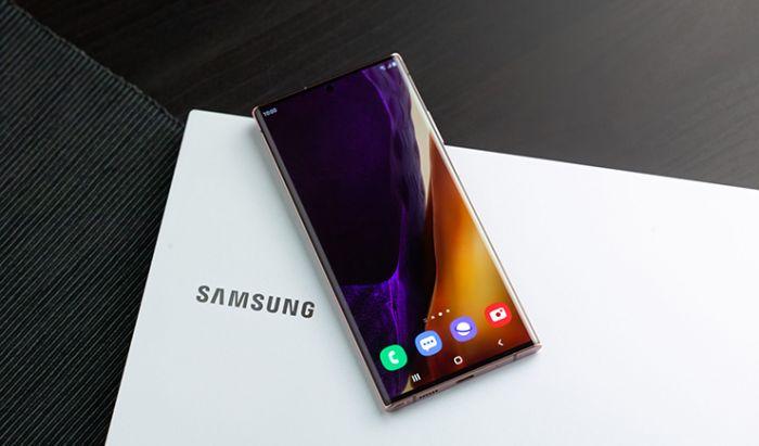Samsung Galaxy Note20 vs. Ultra. Dok. Samsung Indonesia.
