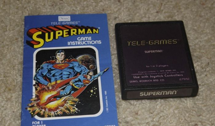 Edisi spesial game Superman dengan manual berbentuk komik.