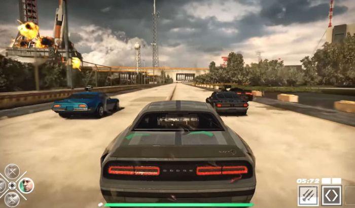 Selain balapan, pemain bisa menghancurkan mobil lawan dengan senjata di Fast & Furious: Crossroads.