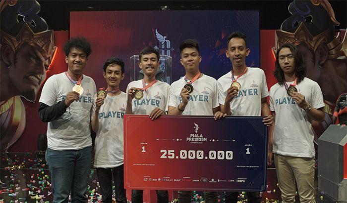 Humble Team saat memenangkan pertandingan final kualifikasi regional Bekasi Piala Presiden Esports 2019