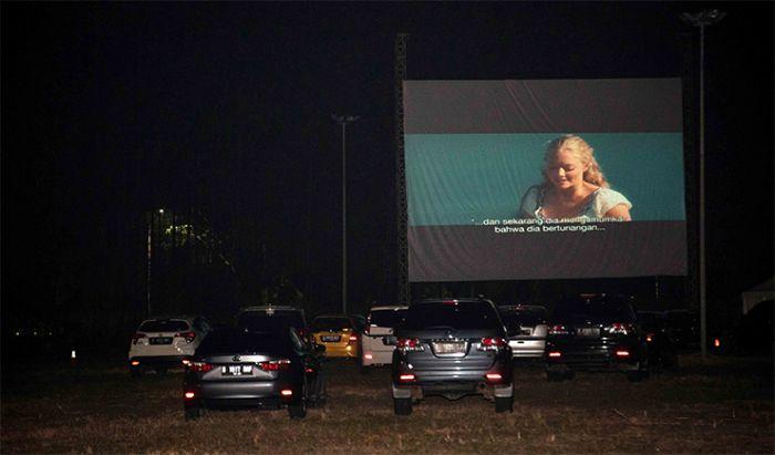 Suasana venue saat film dimulai.