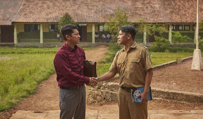 Review Film Guru-guru Gokil