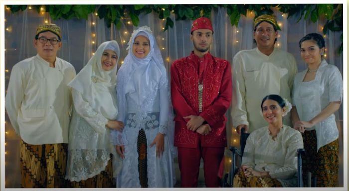 Inspirasi pernikahan unik dari film Indonesia.