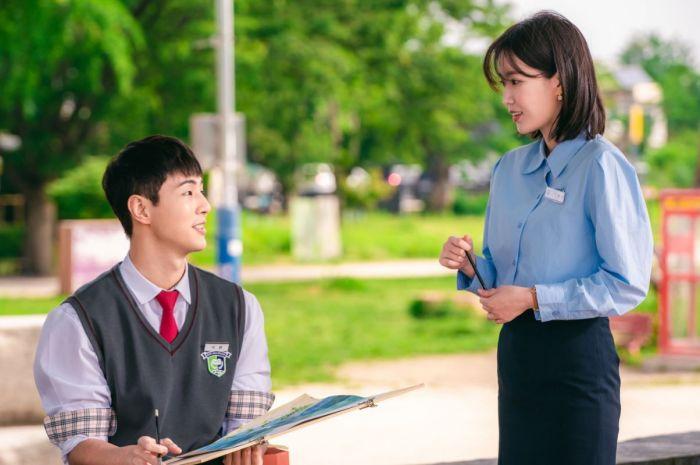 Drama Korea Ji Soo Jadi Duta Second Lead.