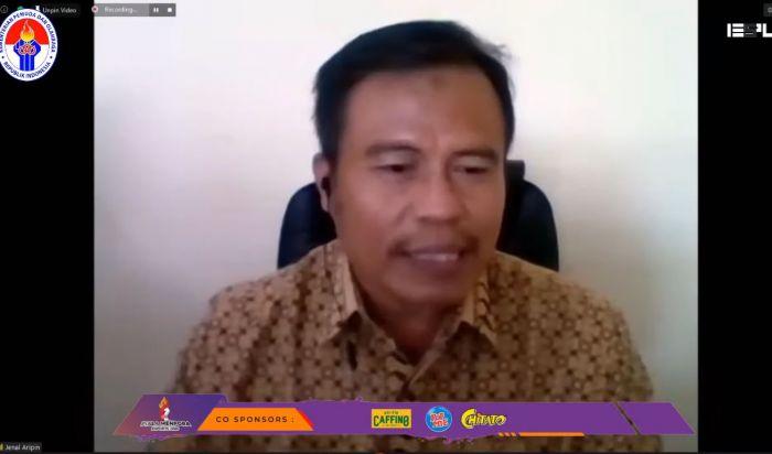 Bapak Drs. Jenal Aripin selaku perwakilan Kemenpora