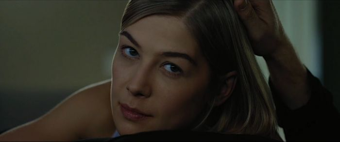 Amy Dunne dalam Gone Girl.