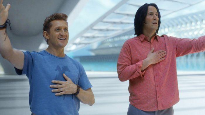 Keanu Reeves dan Alex Winter dalam Bill & Ted Face the Music (2020).
