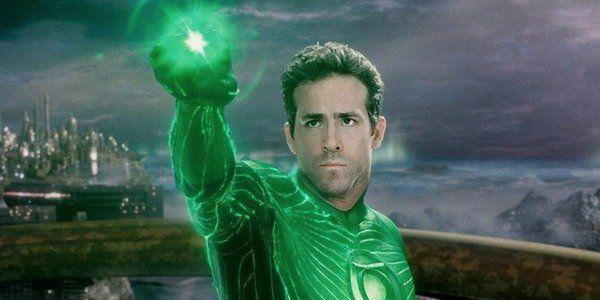 Green Lantern Versi Ryan Reynolds.
