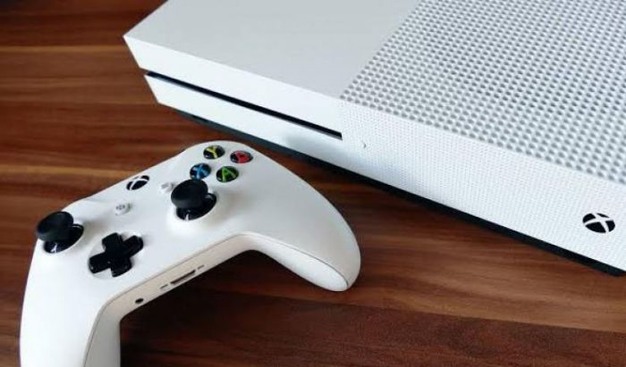 Penampakan Xbox Series S yang mungil dengan harga 299$.