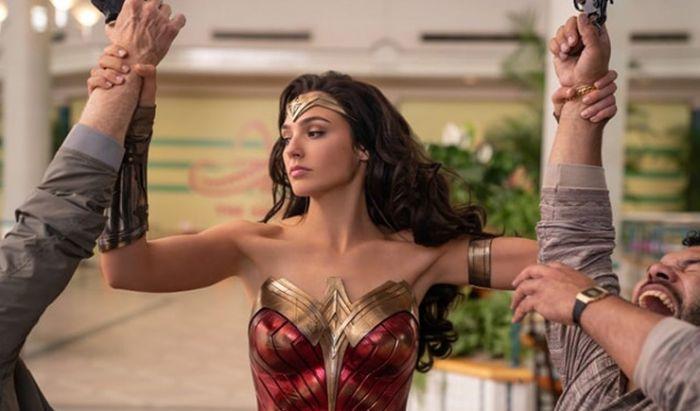 Apakah Wonder Woman 1984 Bakal Diundur Lagi