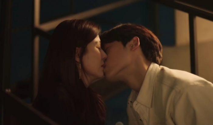 Adegan Ciuman Drama Korea Beda Usia Jauh