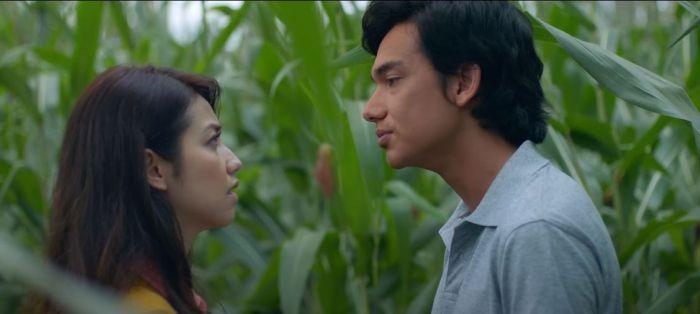 Fakta Film Hujan Bulan Juni, Tayang di Netflix Hari Ini