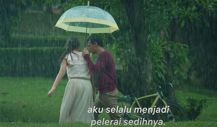 Sinopsis dan Fakta Film Seperti Hujan yang Jatuh ke Bumi, Drama Friendzone Jefri Nichol.