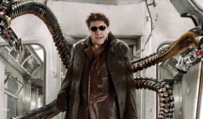 Alfred Molina sebagai Doctor Octopus