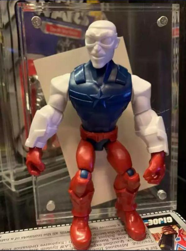 Kostum Captain America Versi Falcon Bocor Lewat Mainan