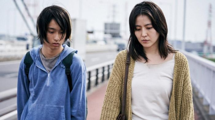 Sinopsis dan Review film Mother (2020) Netflix Jepang.