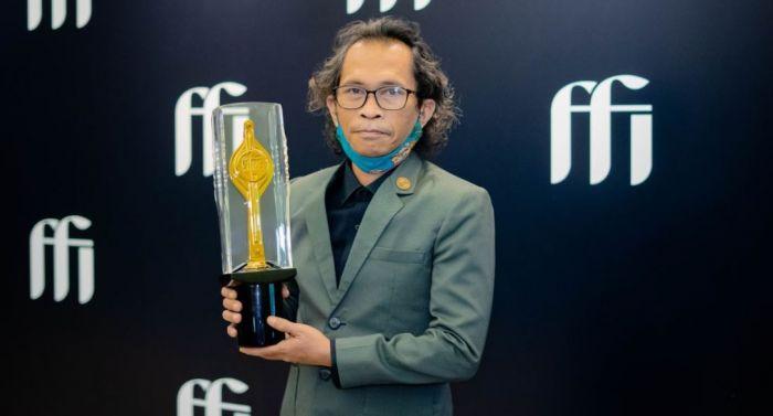 """Gunawan Maryanto Bawa Piala Citra kategori """"Pemeran Utama Pria Terbaik"""" FFI 2020."""