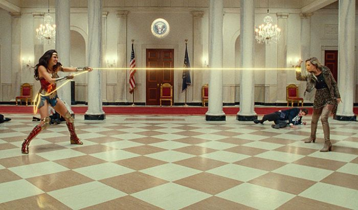 Inilah Alasan Diana Tinggalkan Pedang dan Perisai di Wonder Woman 1984