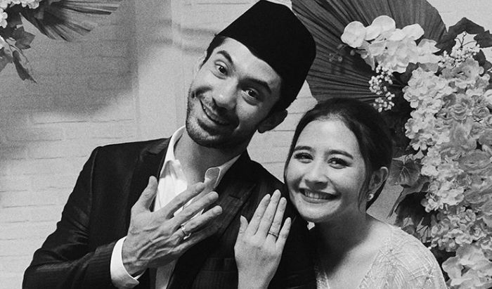 Reza Rahadian di My Lecturer My Husband (2020).