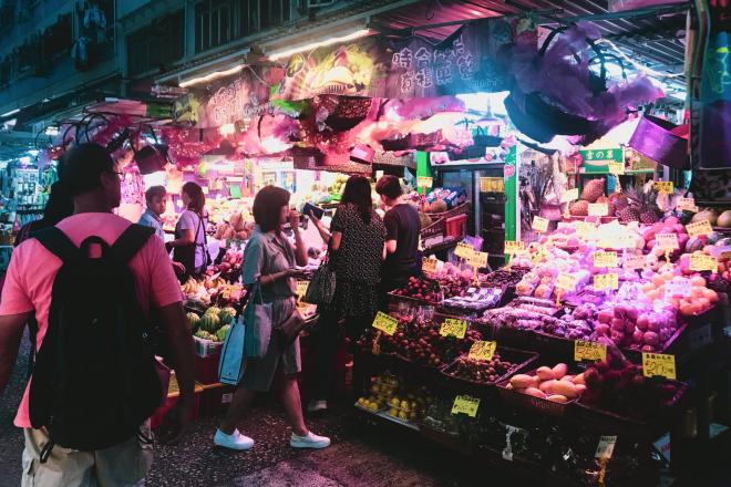 glenn-tan-705327-unsplash-1 hong kong templet street night market hk