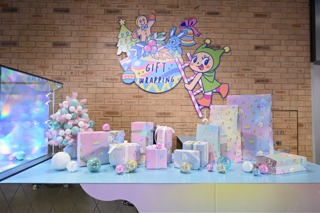 """""""LCX x Greenie & Elfie Have a Merry Fairy Christmas !"""" Gift Wrapping Service lights display"""