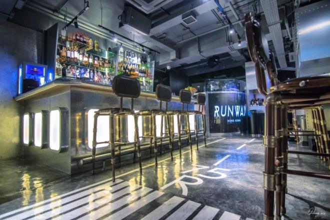 runway-hong-kong