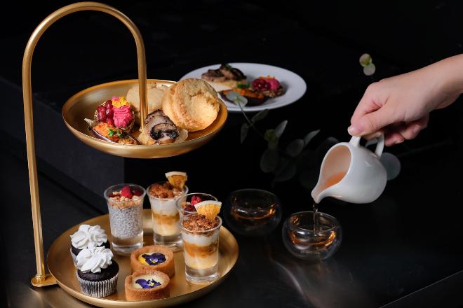 The cakery tea set