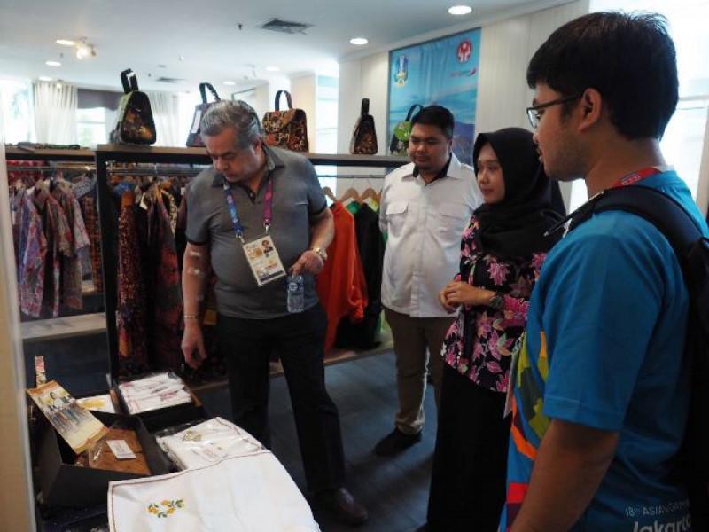 Delegasi Asian Games dari Pakistan saat berkunjung ke Smesco Indonesia. Foto: (doc/KemenkopUKM)