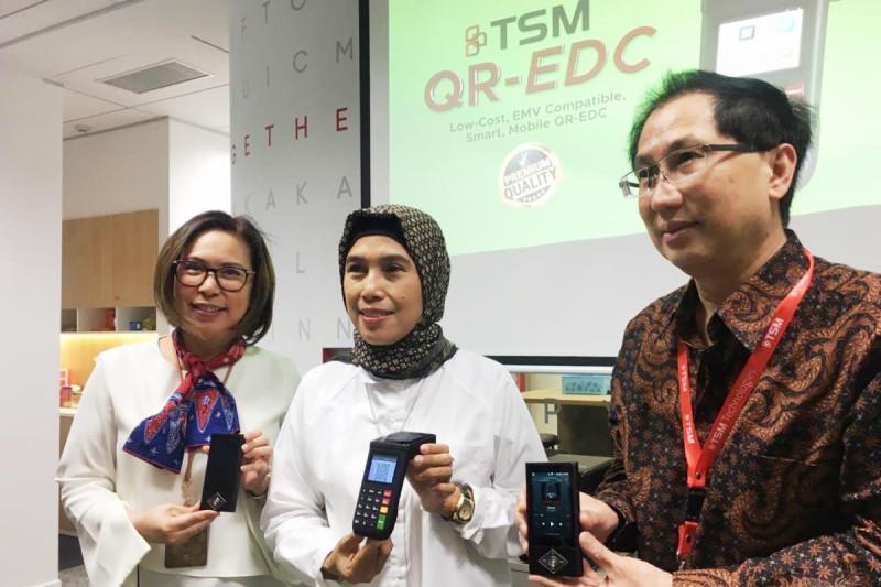 Dua produk IKM, SM QR-EDC dan Music Phone siap diproduksi massal, pada Rabu (21/2/2019). Foto: Kemenperin.